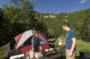 Camping Bon-Ami © Robert Baronet / Parcs Canada