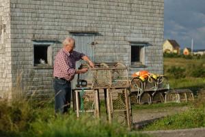 La préparation des cages © Michel Bonato / Tourisme Îles de la Madeleine
