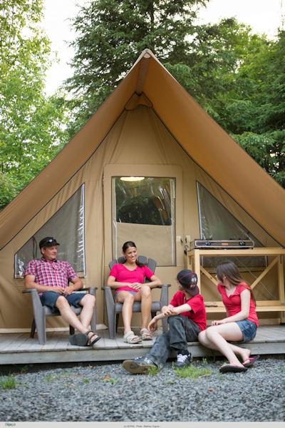 La tente Huttopia de la Sépaq © Mathieu Dupuis / Parc national du Bic, Sépaq
