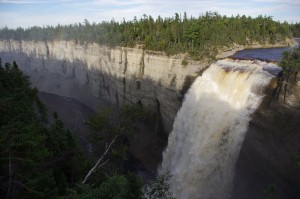 The Vauréal waterfall, 76 metres high © Québec maritime