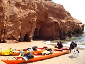 Le kayak de mer aux Îles de la Madeleine: un incontournable © Vert et Mer