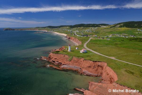 Les falaises de grès rouge des Îles de la Madeleine