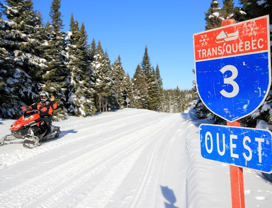 Snowmobilers on Trans-Québec trail #3 in Côte-Nord
