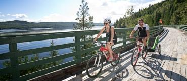 Cycling around Lake Témiscouata