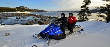 Excursions guidées à motoneige dans l'est du Québec