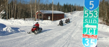 Drop Your Luggage and Explore the Loop Snowmobile Trails of Bas-Saint-Laurent