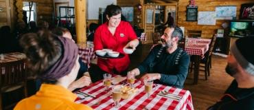 Où manger lors d'un raid motoneige dans l'est du Québec