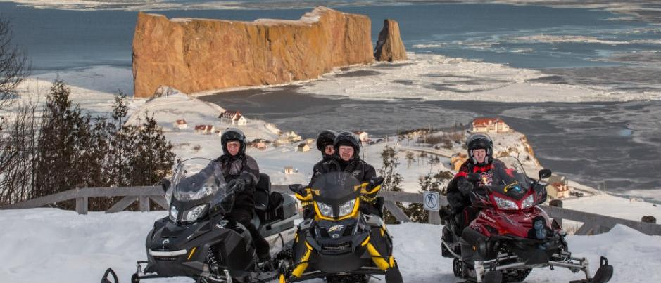 L'est du Québec à motoneige : 8 panoramas à ne pas manquer!