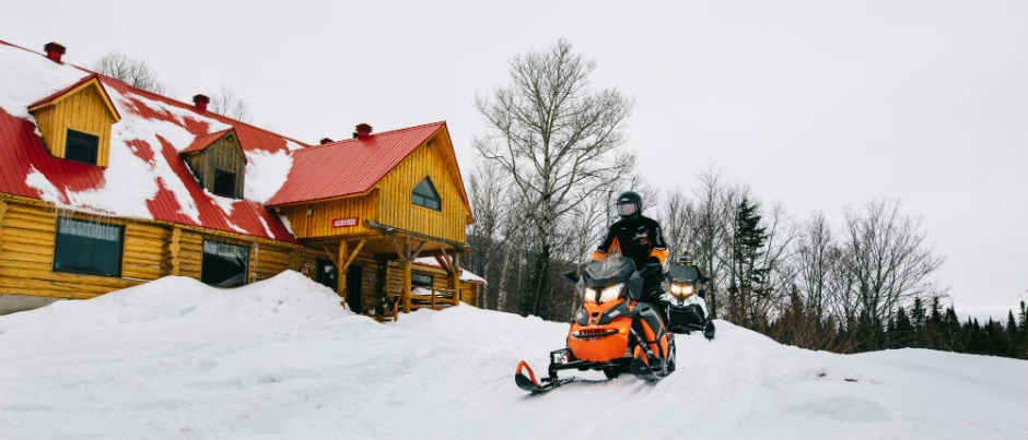 Snowmobiling in Bas-Saint-Laurent: By the Sea or Inland