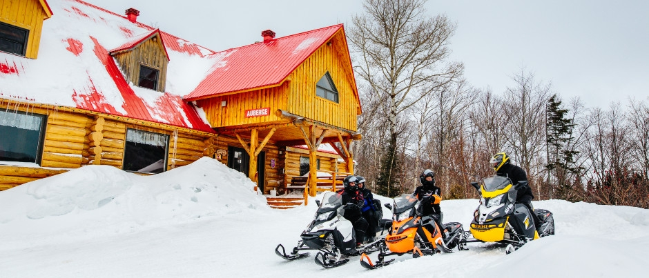 Plan Your Stops in the Snowmobile Clubhouses of Eastern Québec