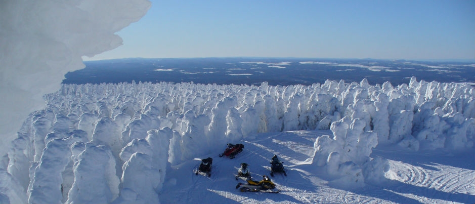 7 Unusual Snowmobile Experiences in the Maritime Regions of Québec
