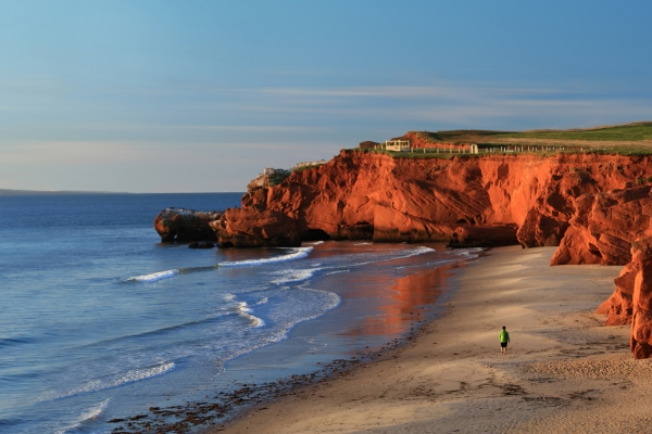 best places to elope by the sea, red rock cliffs and a beach